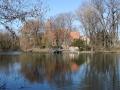 Britz, Dorfkirche und Teich